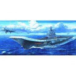 TRU05713 TRUMPETER USSR Admiral Kuznet.1/700