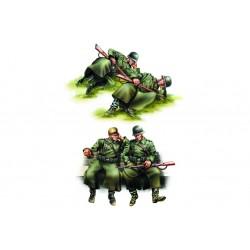 HBO84420 German Infantry Taking a Rest 1/35