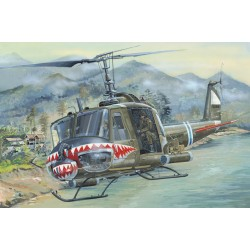 HBO81806 UH-1 Huey B 1/18