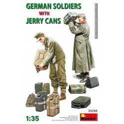 MINIART35286 German Soldier with Jerry Cans 1/35