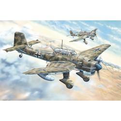 TRU02422 Junkers Ju-87B-2/U4 Stuka 1/24
