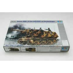 TRU00353 TRUMPETER H-39 Tank LeFH18 Sf 1/35