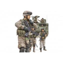 TRU00424 TRUMPETER US Modern Army Cr.In 1/35