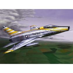 TRU01649 TRUMPETER F-100 D SUPERSABRE 1/72