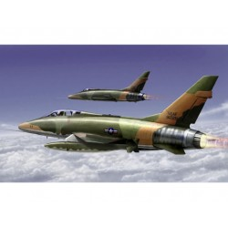 TRU01650 TRUMPETER F-100F Super Sabre 1/72