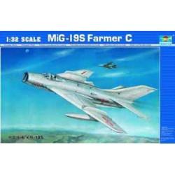 TRU02207 TRUMPETER Mig-19S Farmer C 1/32