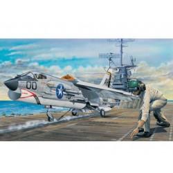 TRU02272 TRUMPETER F-8E Crusader 1/32
