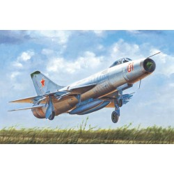 TRU02896 TRUMPETER Soviet Su-9 Fishpot 1/48