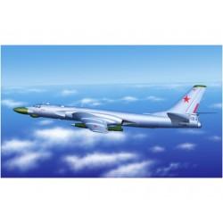 TRU03908 TRUMPETER Tu-16k-10 Badger C 1/144