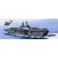 TRU05615 TRUMPETER USS Iwo Jima LHD7 1/350