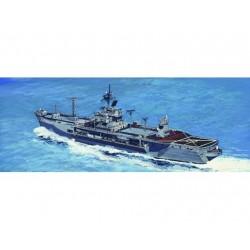 TRU05719 TRUMPETER USS Mt.Whitn.LCC-20 1/700