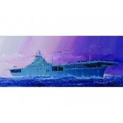 TRU05728 TRUMPETER USS Essex CV-9 1/700