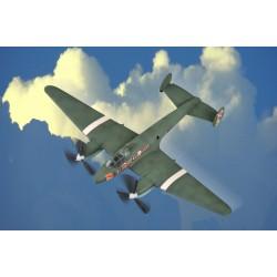HBO80296 Soviet PE-2 Bomber 1/72