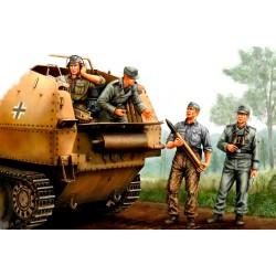 HBO84402 German SPG Crew 1/35