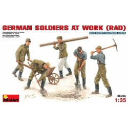 MINIART35065 Germ. Soldiers at Work 1/35