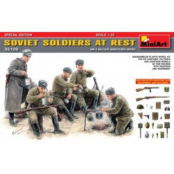 MINIART35109 Soviet Soldiers at Rest 1/35