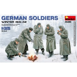MINIART35218 German Soldiers (Winter 41-42) 1/35