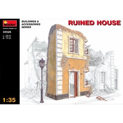 MINIART35526 Ruined House 1/35