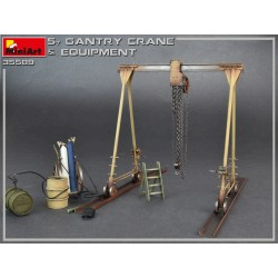 MINIART35589 5 Ton Gantry Crane and Equip. 1/35
