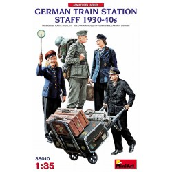 MINIART38010 German Train Station Satff '30-40 1/35