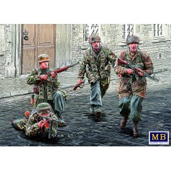 MB35145 German Paratroopers WWII 1/35