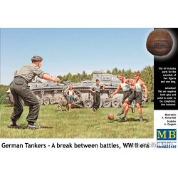 MB35149 German Tankmen in the Break 1/35