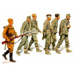 MB3517 MB German Captives '44 1/35