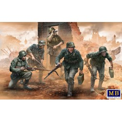 MB35177 German Infantry WWII Early 1/35