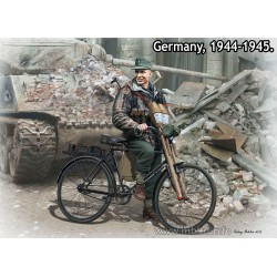 MB35179 Volkssturm Tank Hunter '44-45 1/35
