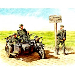 MB3539 MB German motorcyclists '40'43 1/35