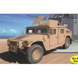 BR5037 USMC M1114 Up Armoured Vehicle1/350