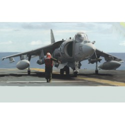BRNB5030 AV8B Harrier II 1/350